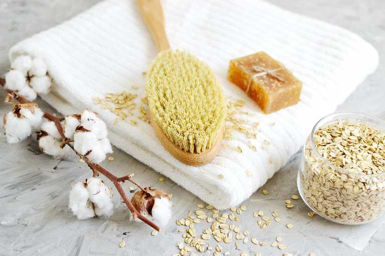 Trockenbürsten für Anti-Cellulite Massage